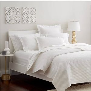 Macy's Damask Charter Club white quilt king